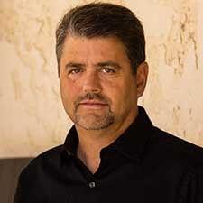 Author Dr. Brad Eli